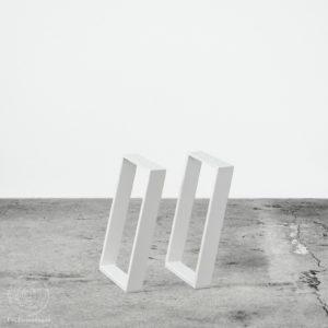 Skrå bænkben i hvid farve metal. Ent Copenhagen